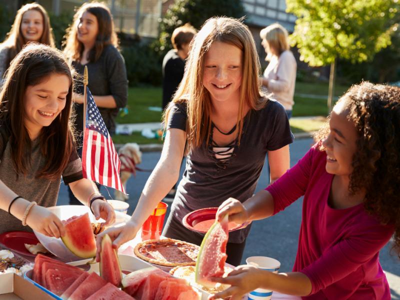 5 Ways to Curb Summer Weight Gain in Children